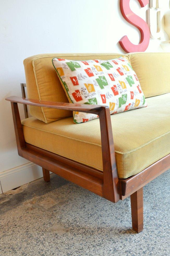 Couch design klassiker  DayBed.Sofa. VERKAUFT. « 69m² Concept Store