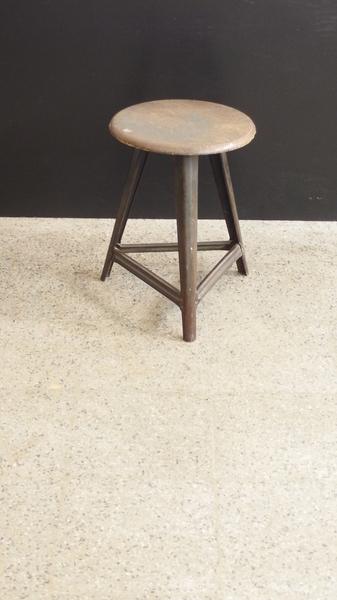 tolix hocker 69m. Black Bedroom Furniture Sets. Home Design Ideas